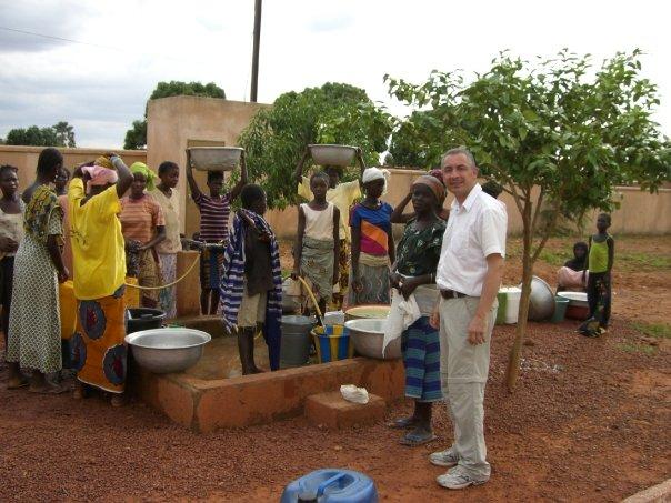 Au puits du village SOS...